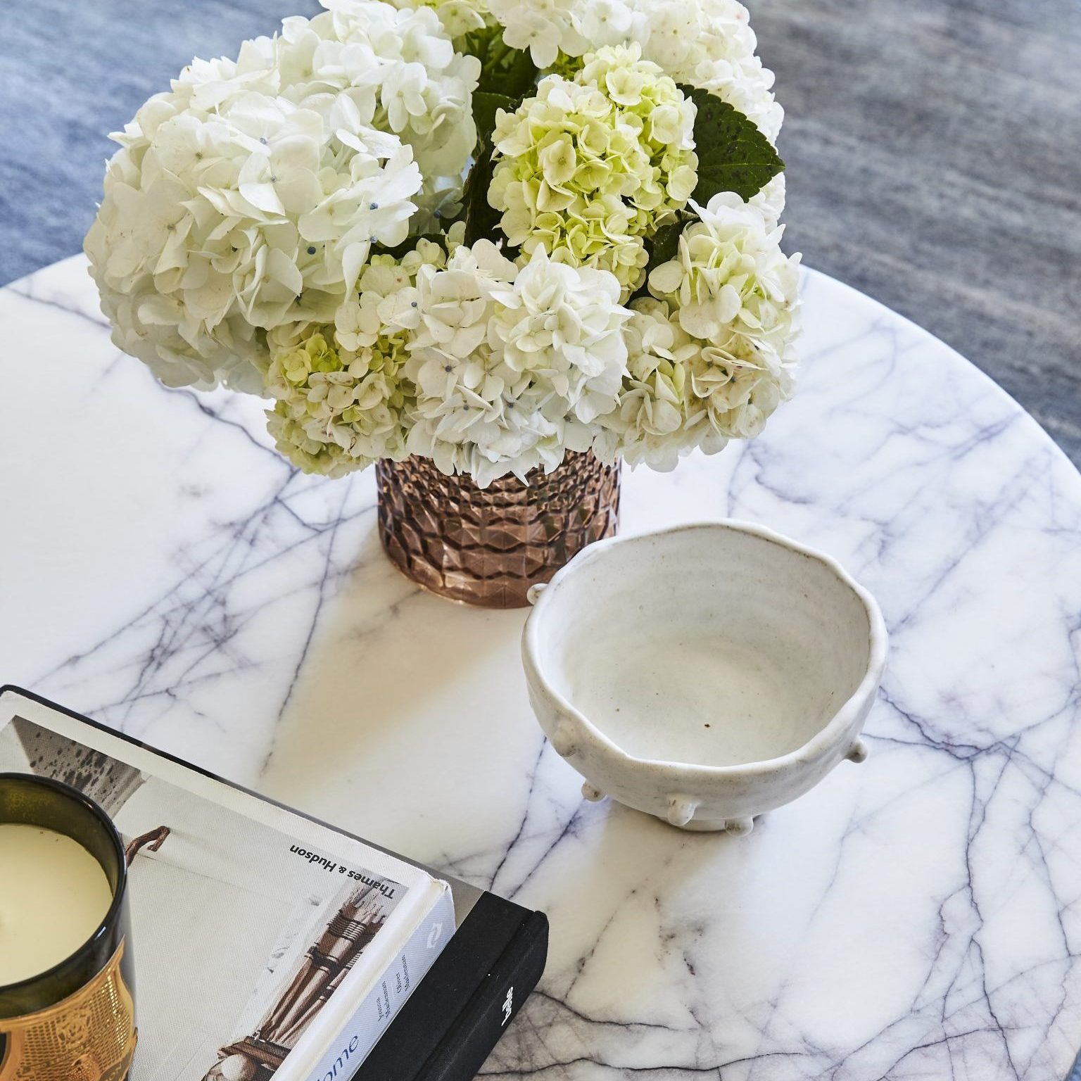 Simple Step, Refresh, Fresh scent, flowers, coffee table