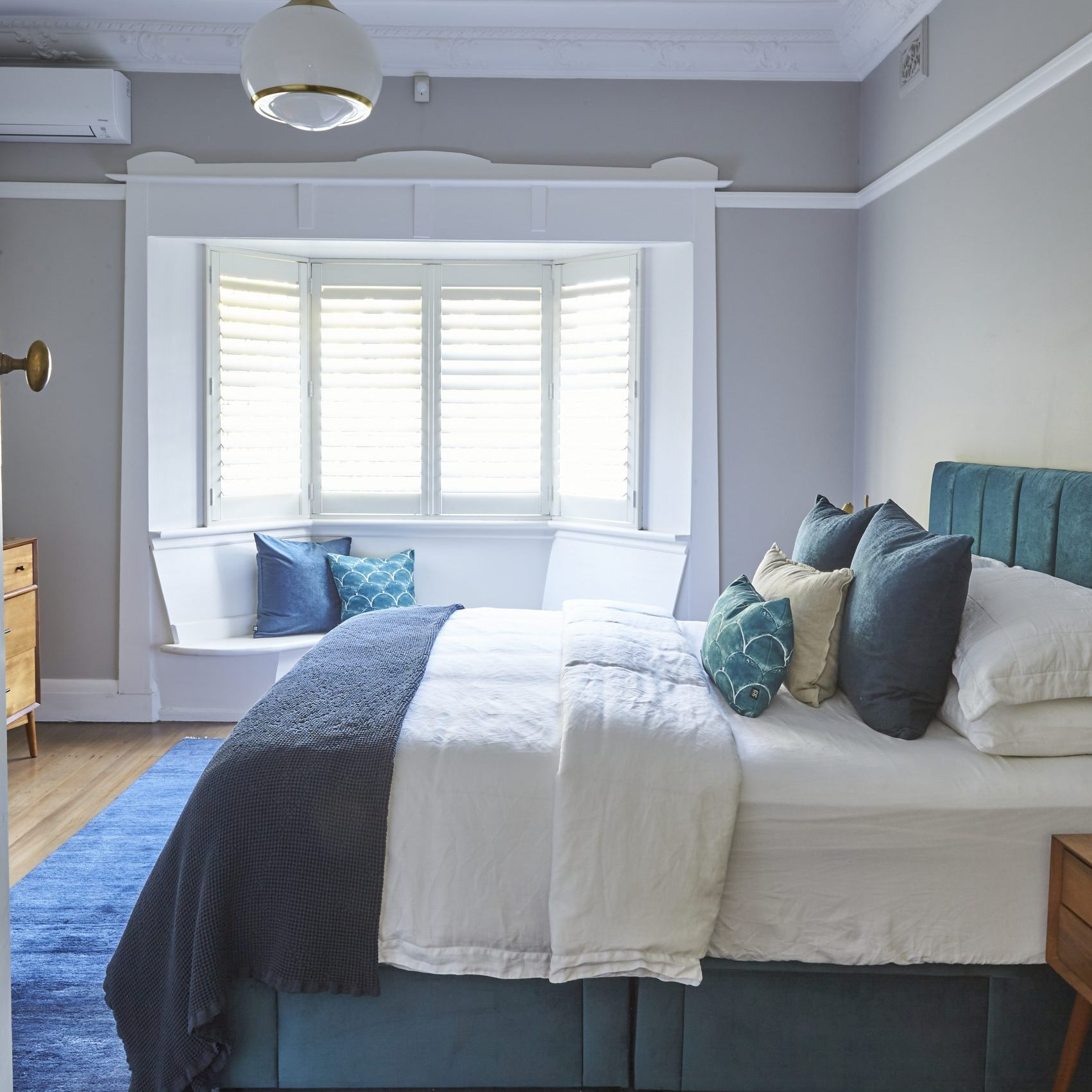 Anna McMillan Interior Designer – Cable St Project – bedroom